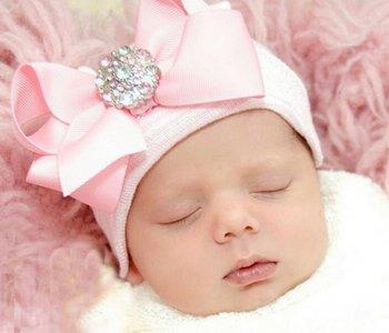 Baby mutsje ziekenhuis 1e mutsje roze wit Grote Strik steentje